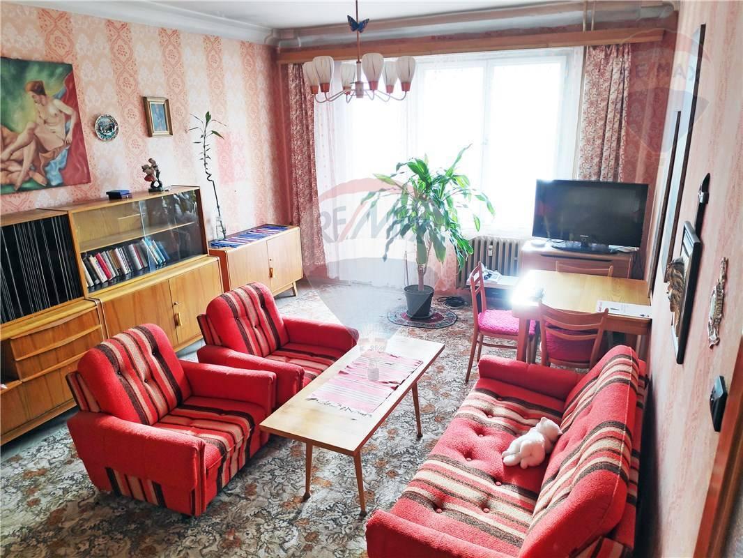 PREDAJ:1,5 izbový byt, 48m2, Zimná ulica, RUŽINOV, loggia, pivnica