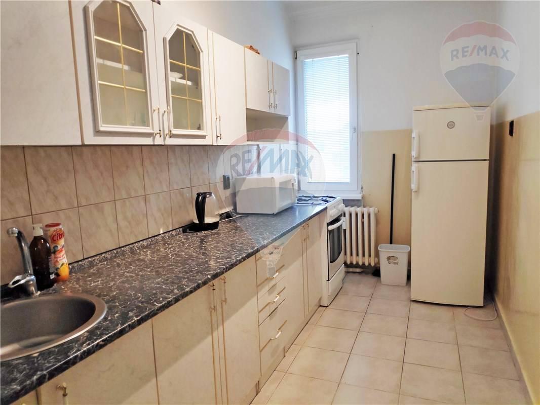 PREDAJ: 2-izbový byt, 61m2, balkón, pivnica, SKLENÁROVA ul., Ružinov- Nivy