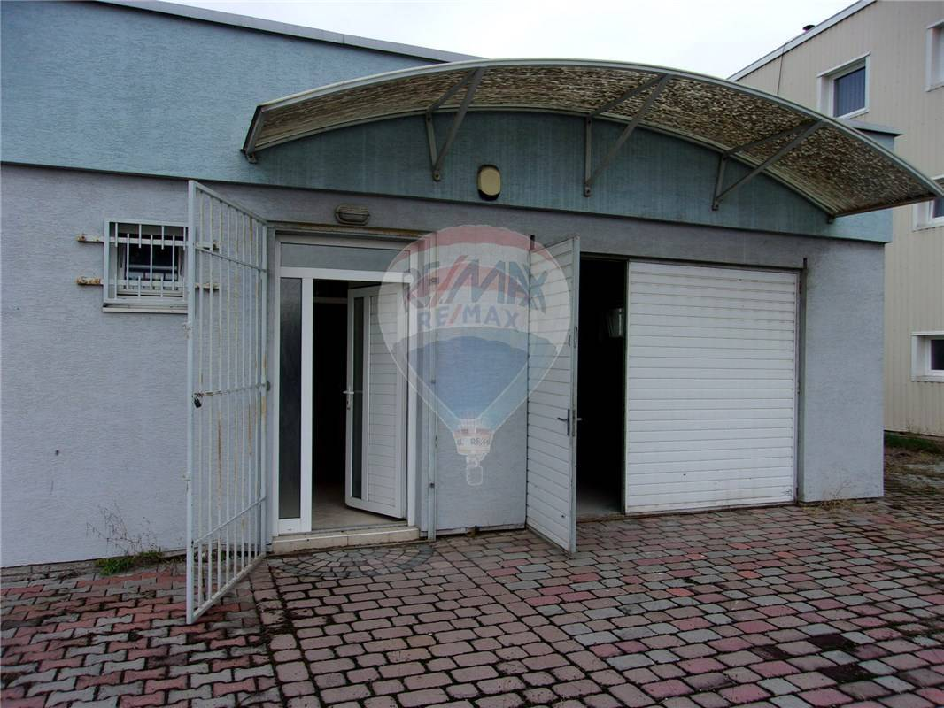 Výrobný areál 19076 m2 na predaj