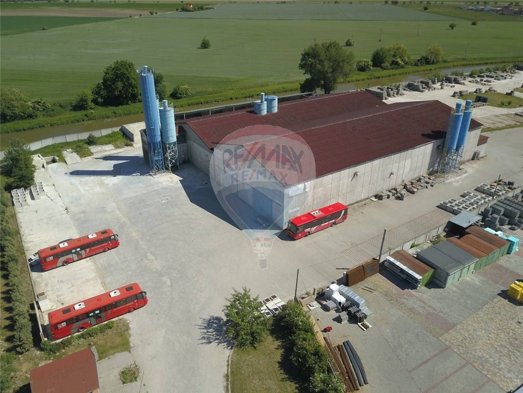 Výrobný areál 26 782 m2 na predaj pri Senci/Production area 26 782 m2 for sale near Senec