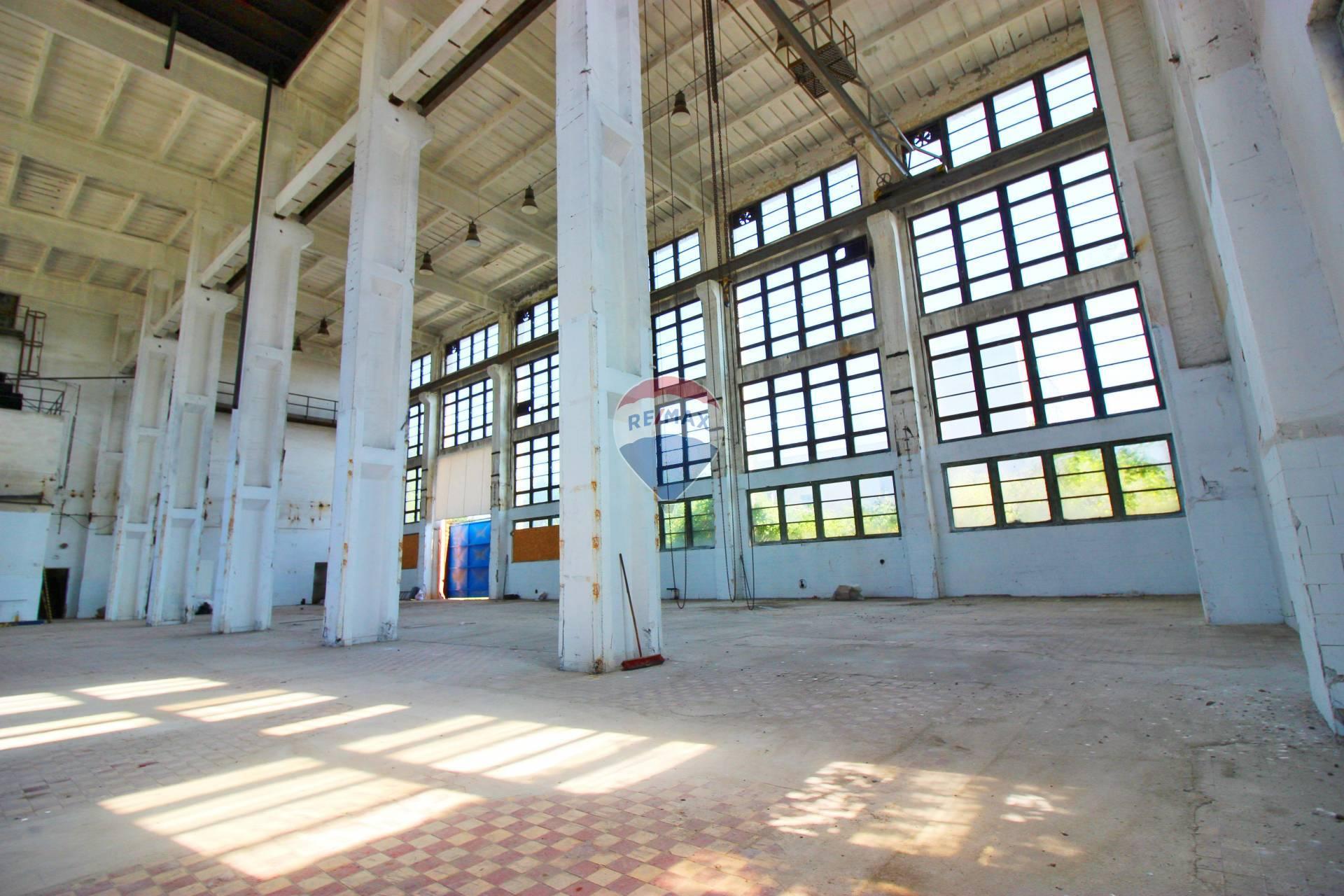 PREDAJ priemyselná budova s pozemkami 5 918 m2, Nitra Dolné Krškany