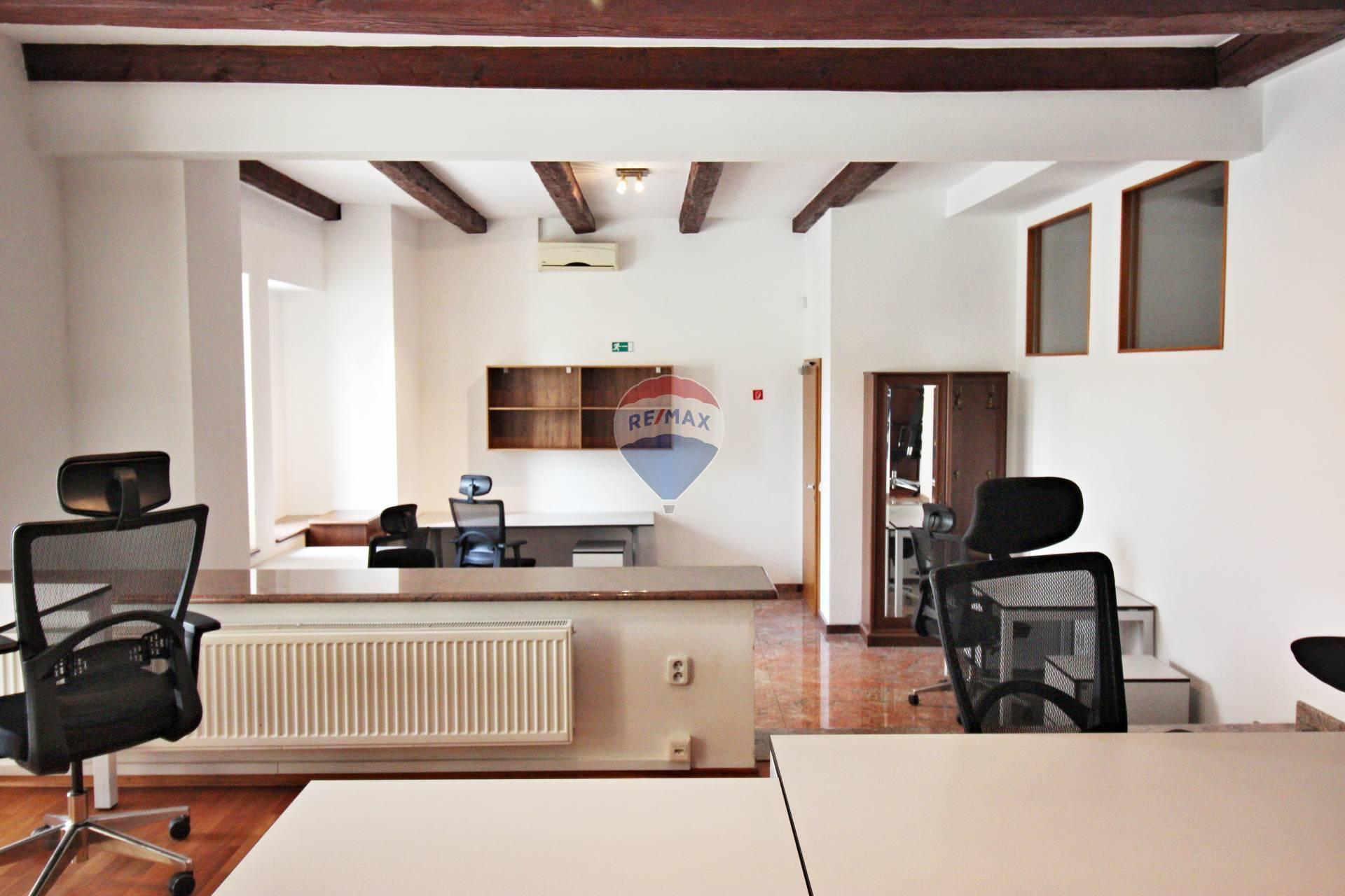 Prenájom komerčného priestoru 54 m2, Nové Mesto nad Váhom -