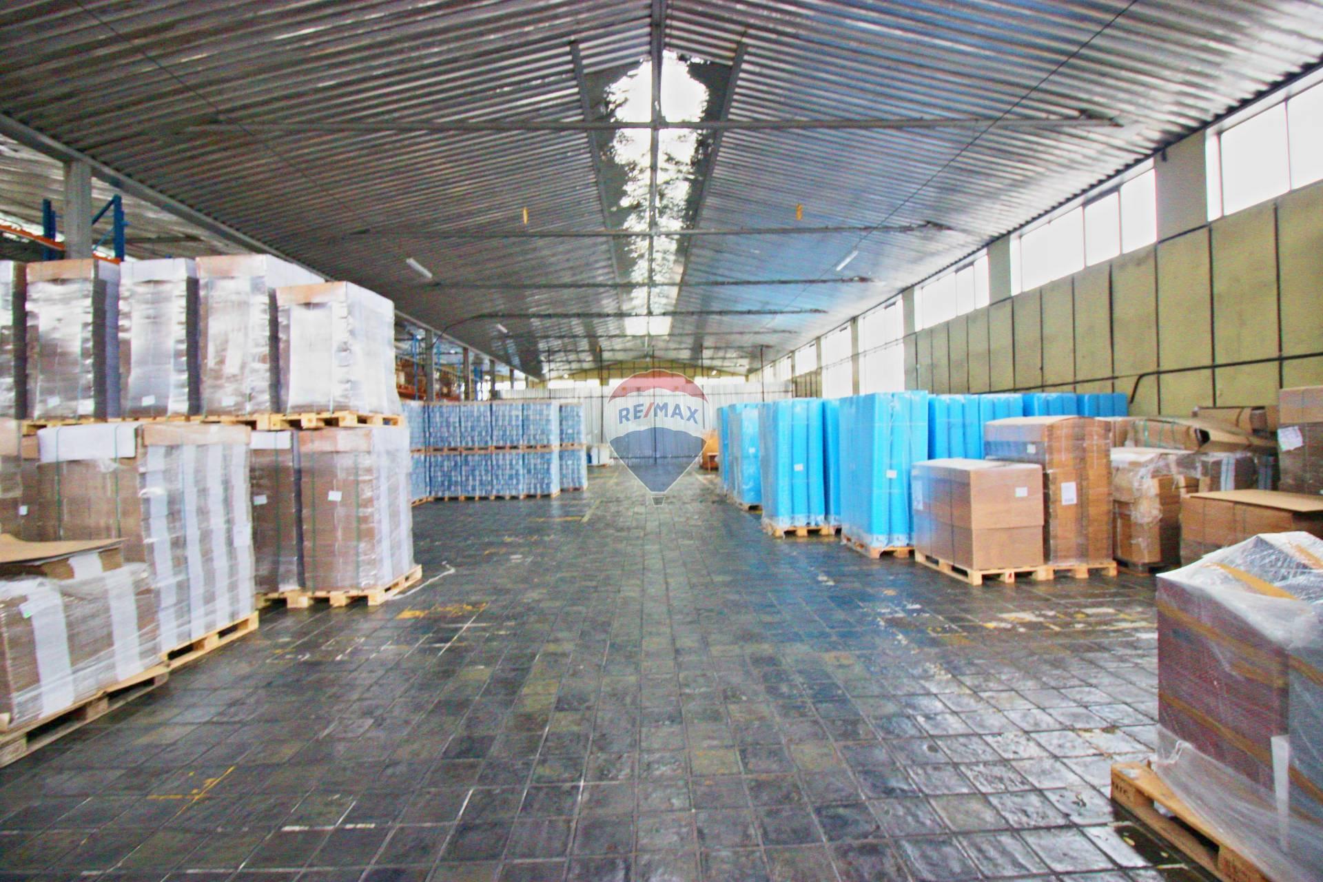 Predaj komerčného priestoru 1300 m2, Smolenice -