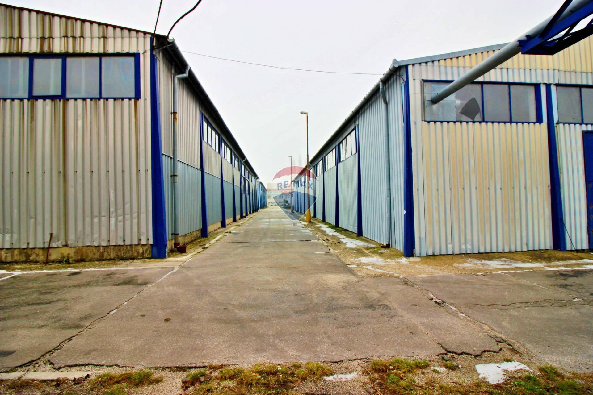 PREDAJ komerčný objekt skladová dvojhala v Smoleniciach, Trnava