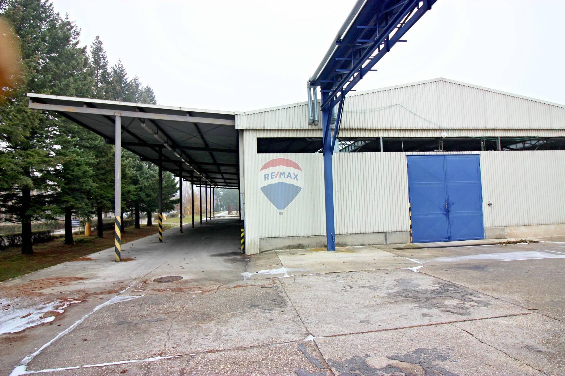 Predaj komerčného objektu 1997 m2, Smolenice -