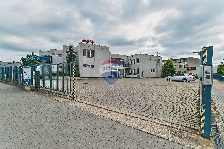 PRENÁJOM - administratívne priestory (70m2) - Nové Mesto nad Váhom
