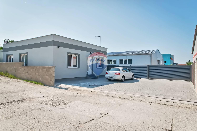 PRENÁJOM - administratívne priestory a výrobná hala - Nové Mesto nad Váhom