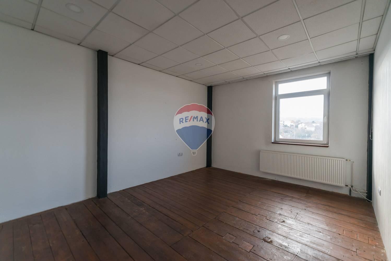 PRENÁJOM - kancelárie 3x - Nové Mesto nad Váhom
