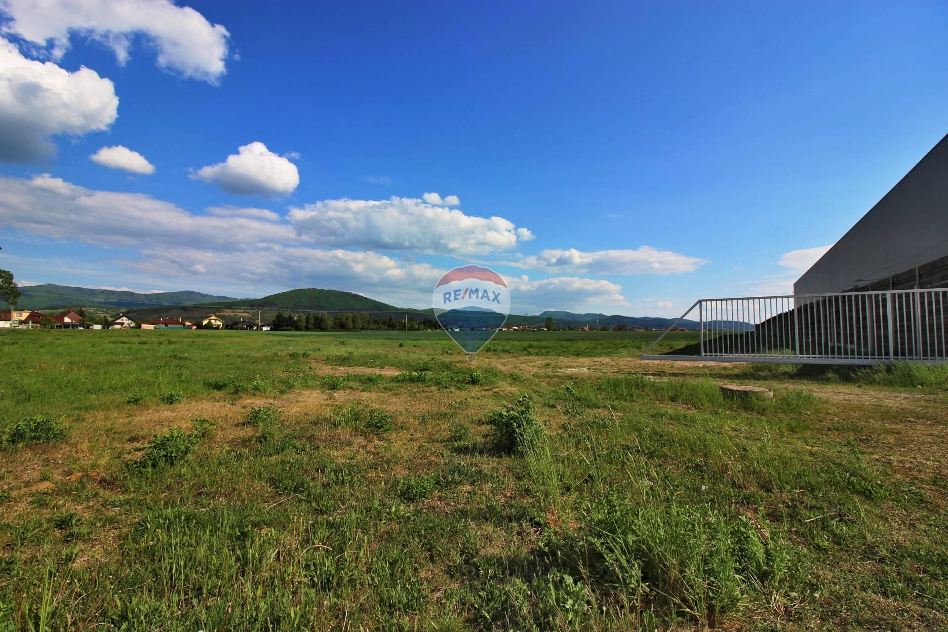 PREDAJ pozemok na komerčnú výstavbu, Rakoľuby (Kočovce)