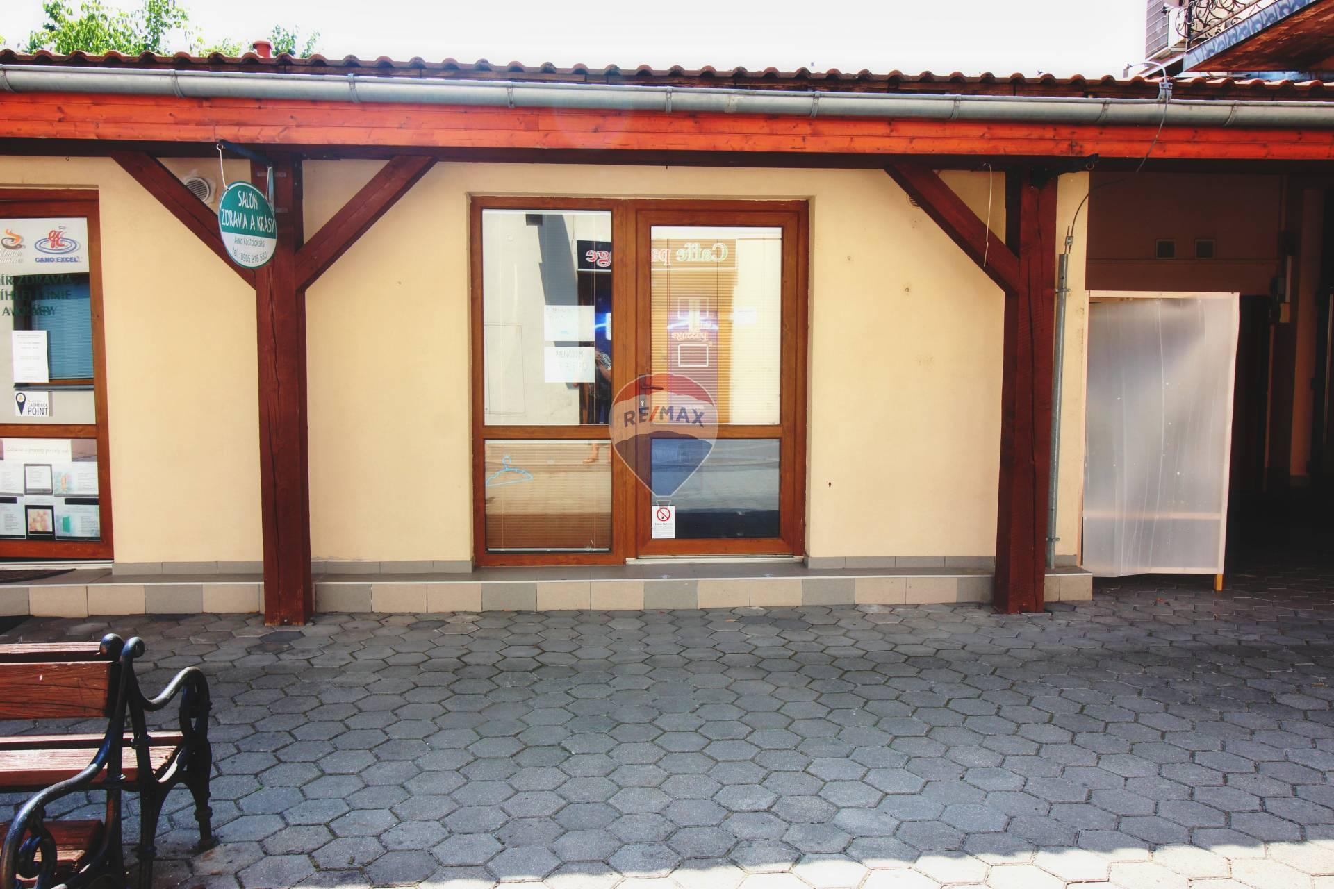 PRENÁJOM komerčného priestoru 44 m2, Nové Mesto nad Váhom