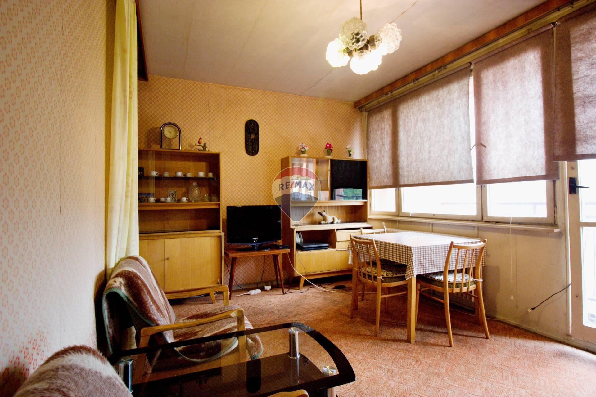PREDAJ byt 42,5 m2, Stará Turá