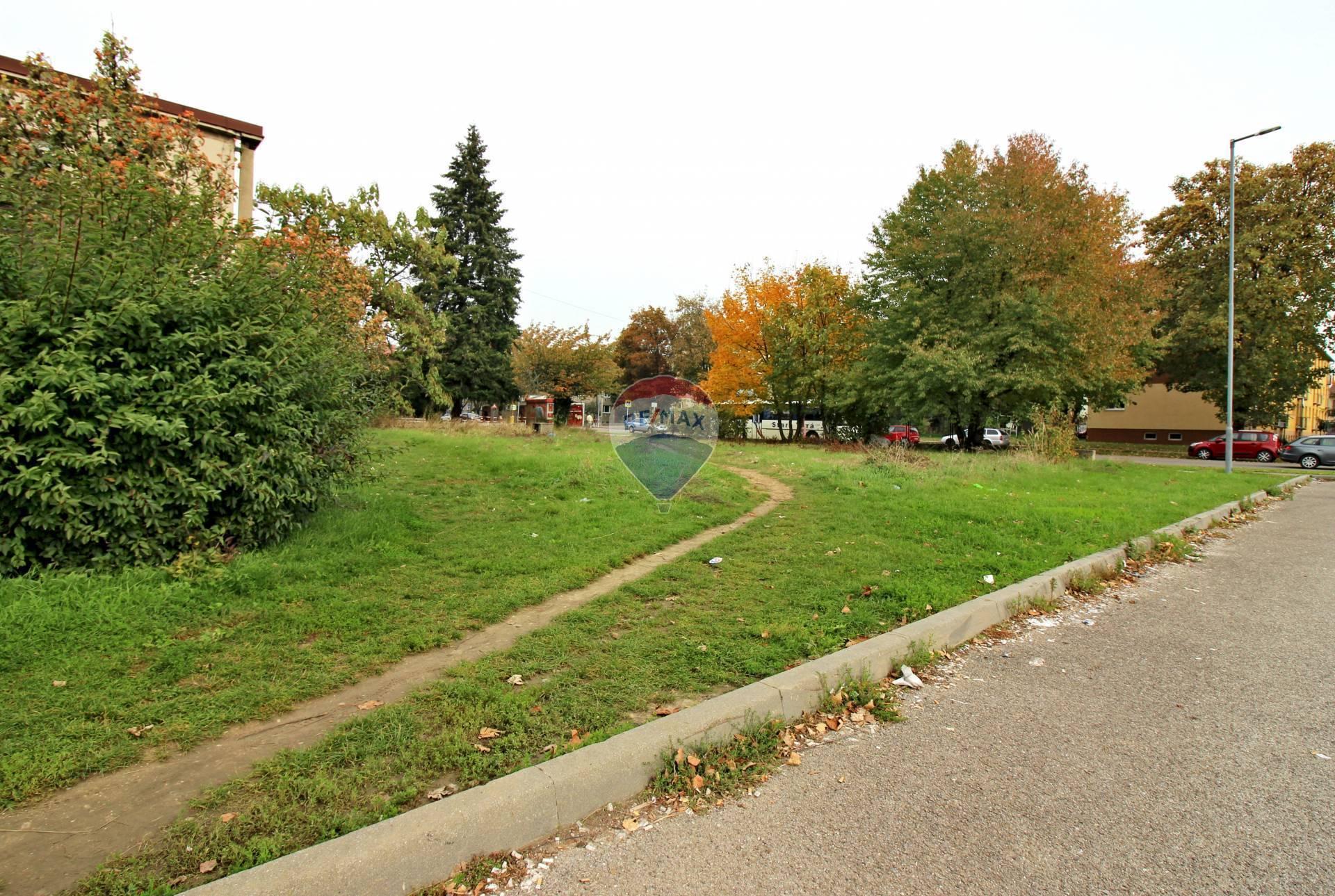 Predaj pozemku 526 m2, Nové Mesto nad Váhom -