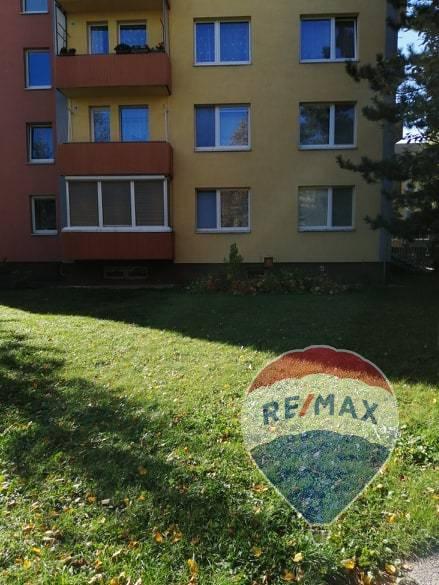 Predaj bytu (3 izbový) 76 m2, ul. Inovecká, Trenčín