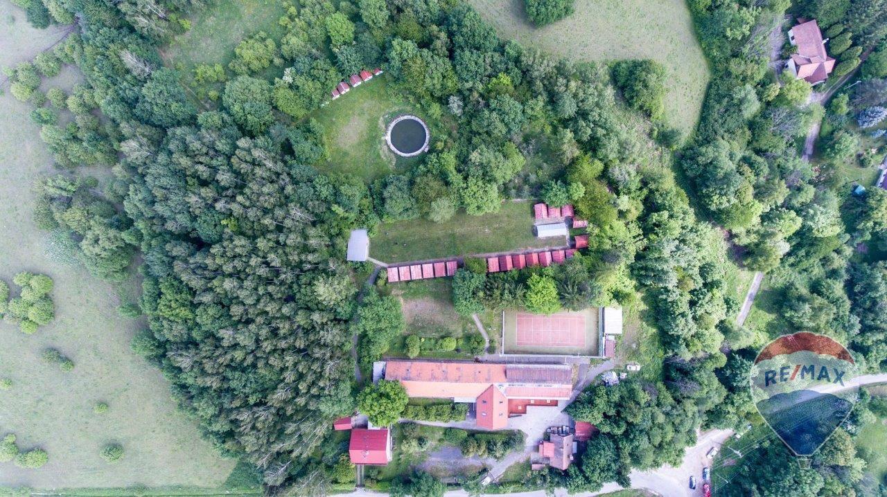 Na predaj rekreačné stredisko, Bystřice pod Lopeníkem ČR, areál 12.357 m2