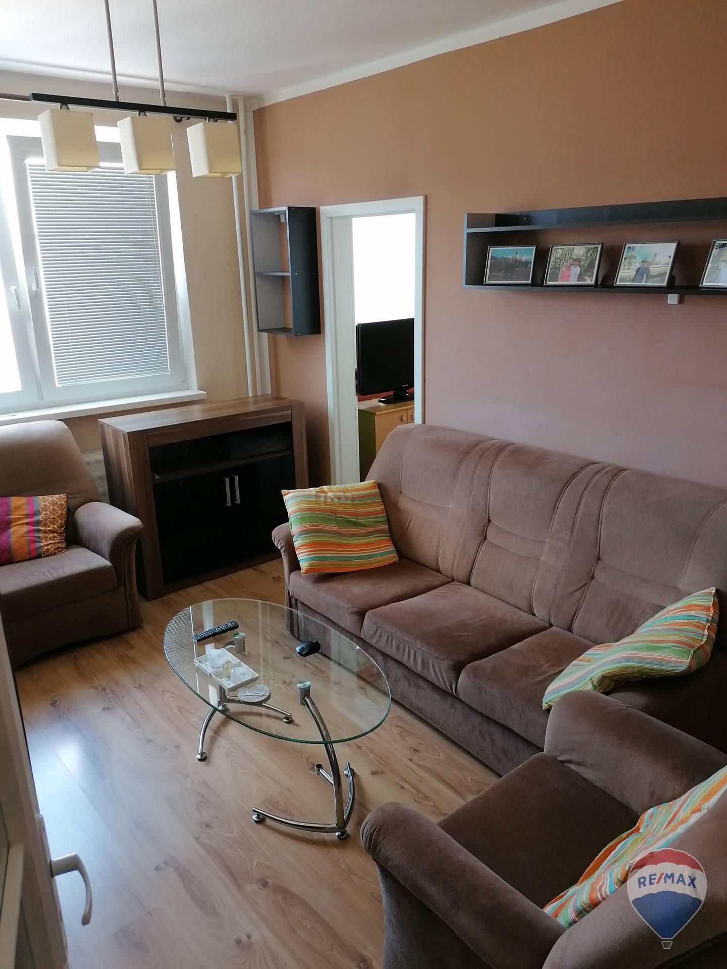 Na predaj, 3-izbový byt upravený na 4-izbový, 64 m2, Považská Bystrica
