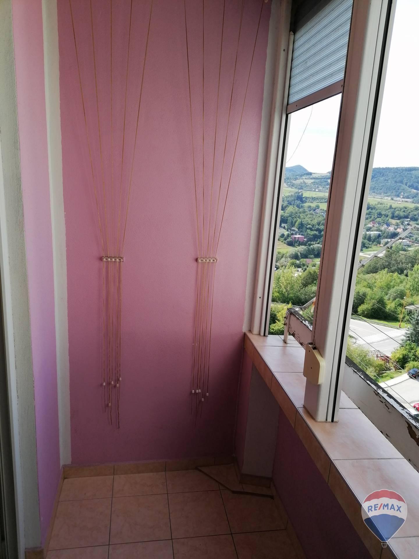 Predaj bytu (4 izbový) 68 m2, Považská Bystrica -