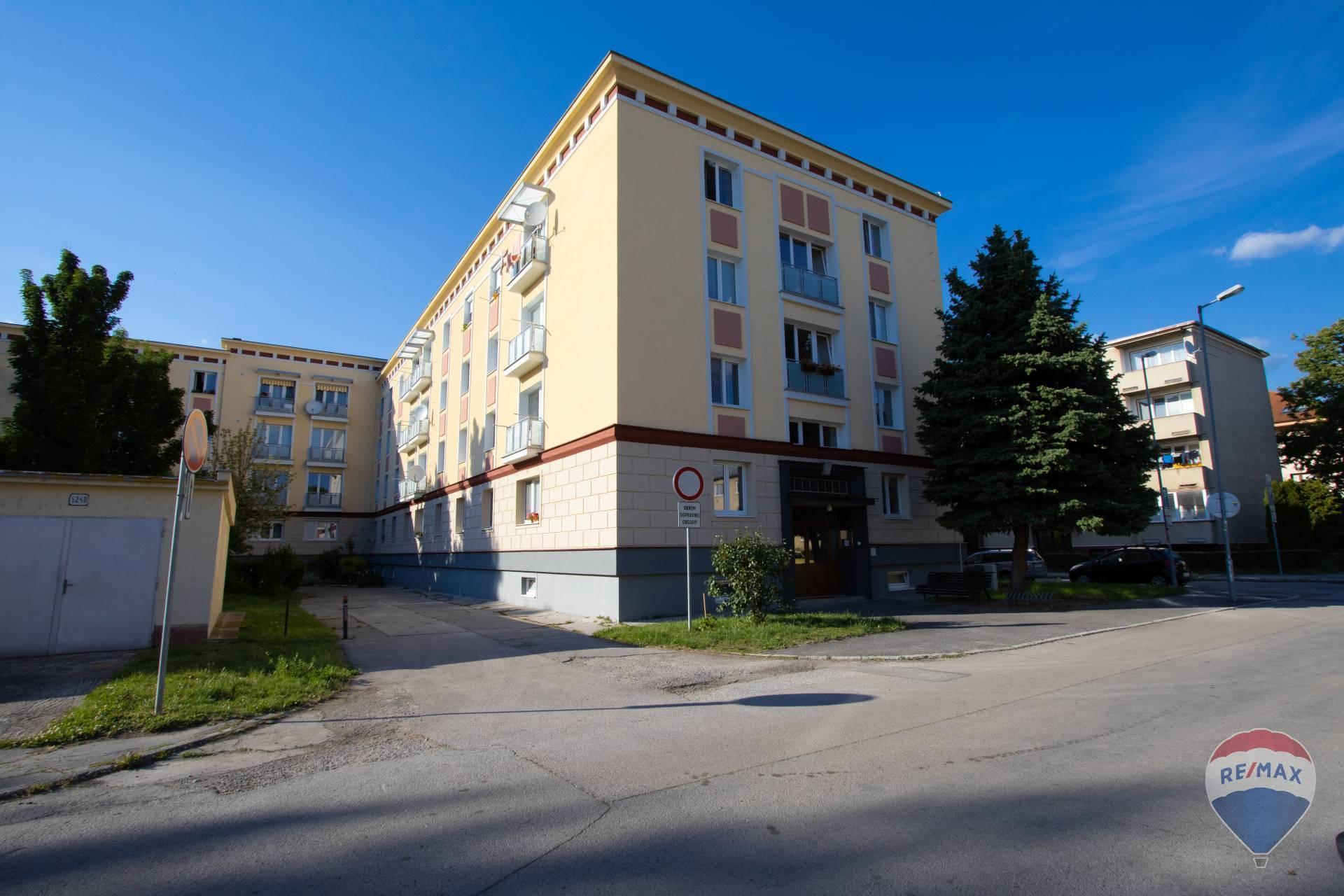 Na prenájom 1izbový byt, ul. Hurbanová, Trenčín