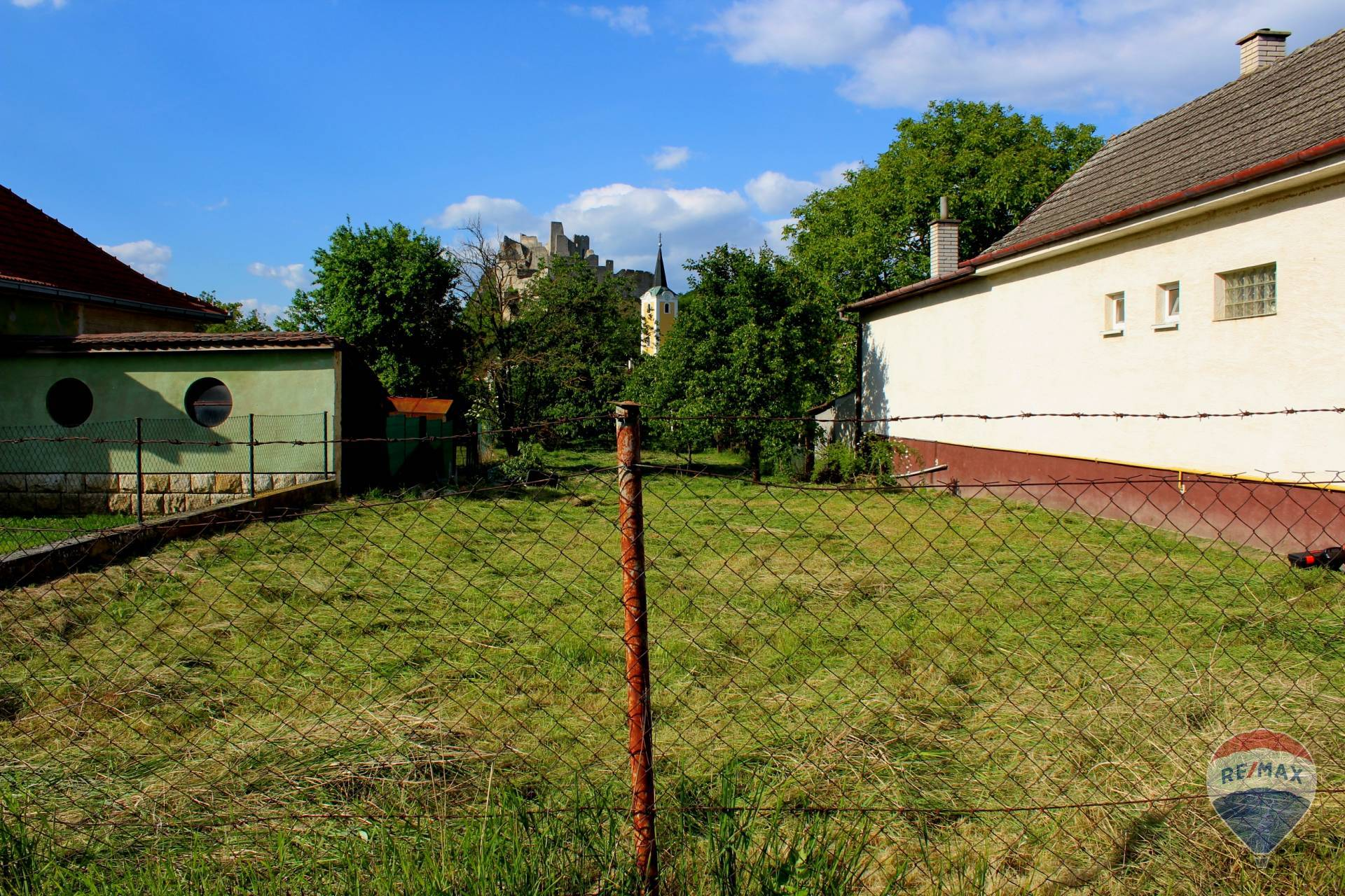 Na predaj stavebný pozemok Beckov