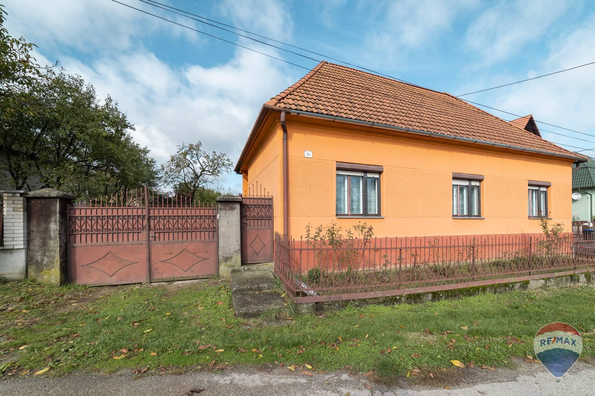 Predaj domu s pozemkom v obci Ivanovce