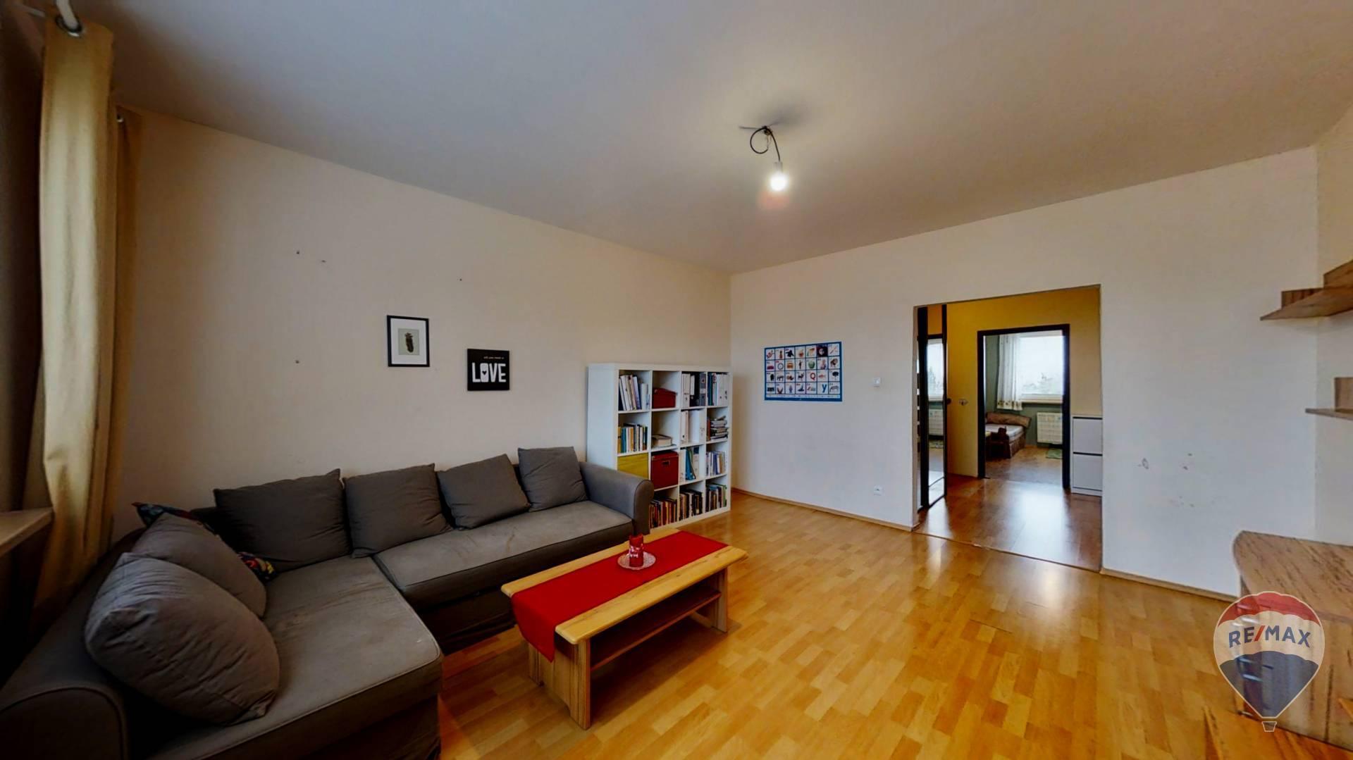 Na predaj 3 izbový byt, Nová Dubnica, Trenčianska ulica - 68 m²