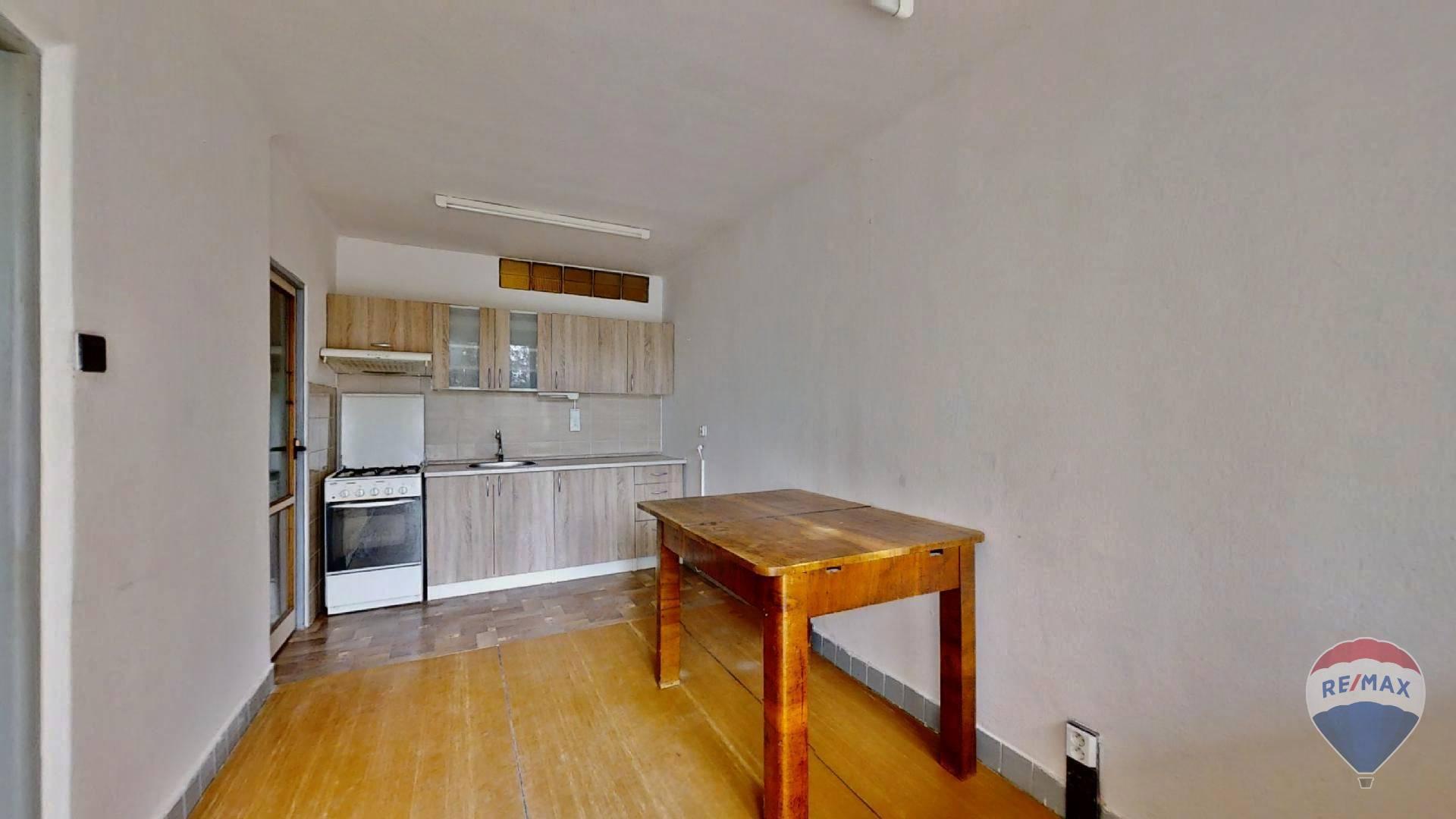 Predaj bytu (4 izbový) 75,5 m2 + loggia
