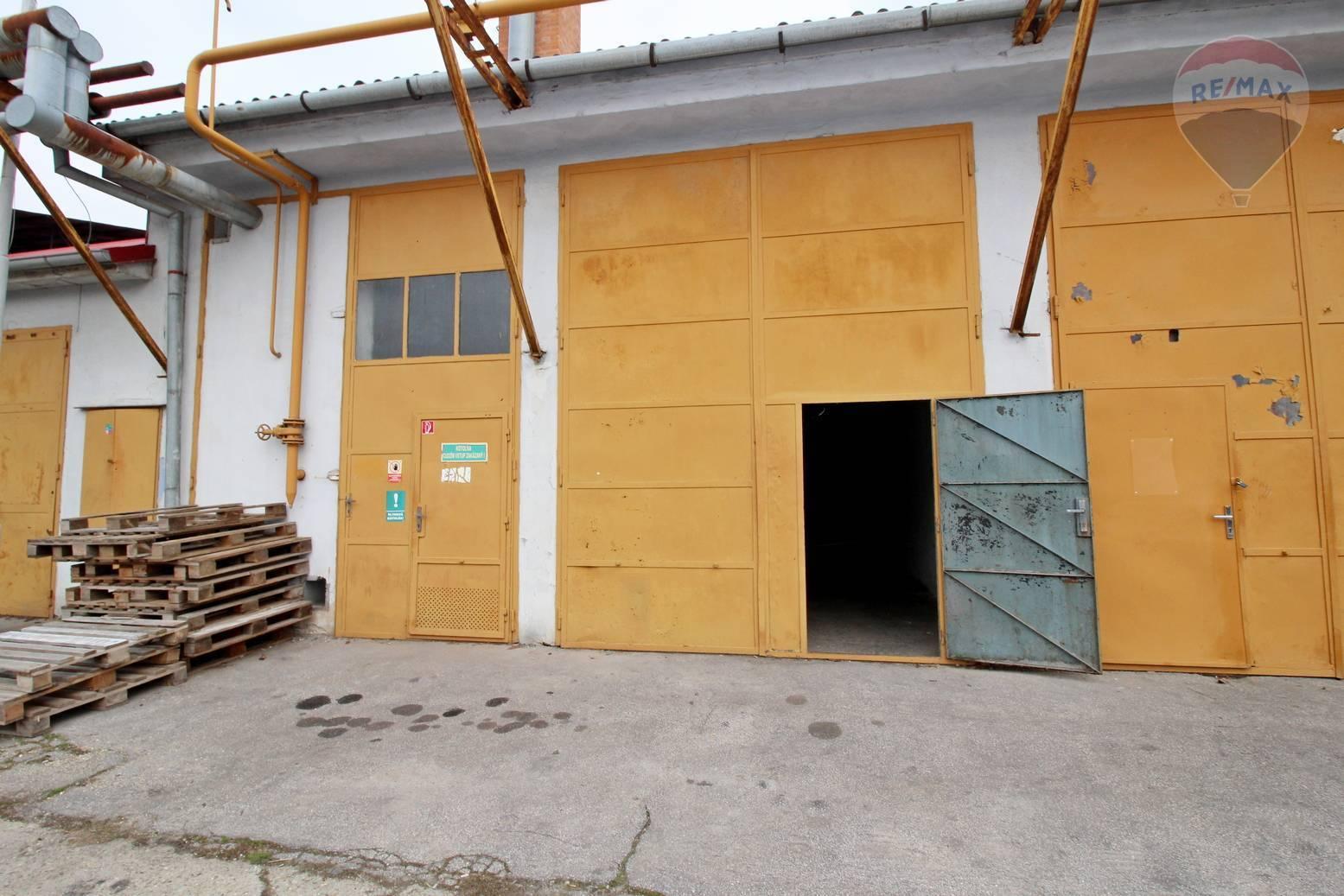 Prenájom komerčného priestoru 208 m2, Galanta -