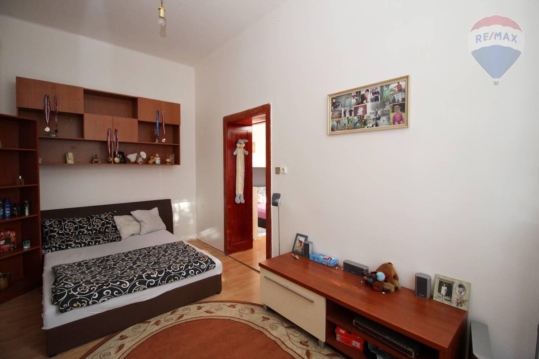 Veľký 4 izbový byt na predaj Sládkovičovo