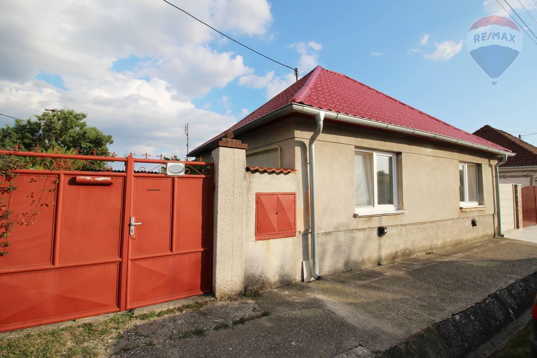 Predaj rodinného domu Čierna Voda, tichá lokalita, pekný pozemok
