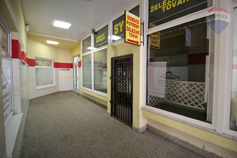 Obchodný priestor na prenájom v centre mesta Galanta, 72 m2