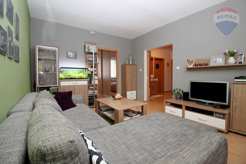 Na predaj priestranný 4 izbový byt Galanta, Mierová ul.