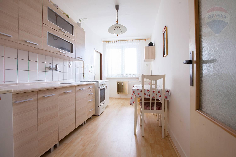 Na predaj 3-izbový byt v Malackách