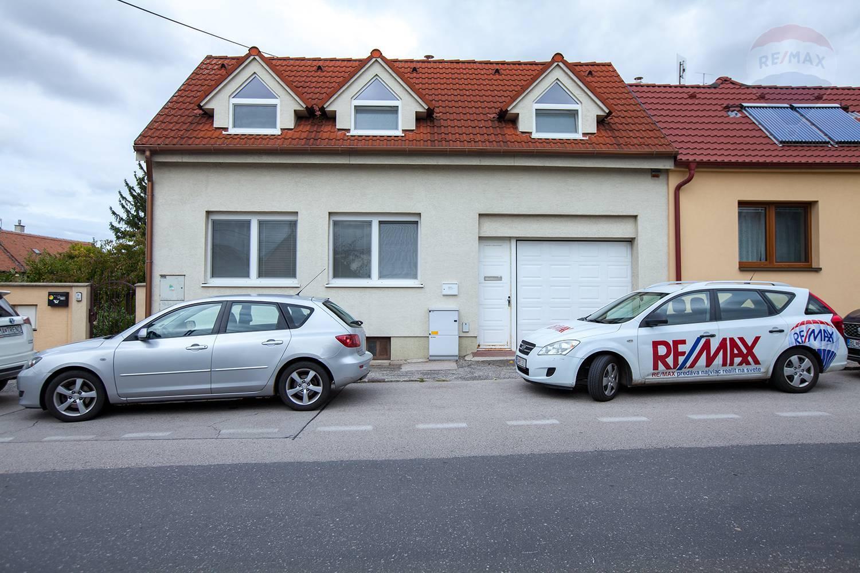 Na prenájom 4-izbový rodinný dom v centre Záhorskej Bystrice