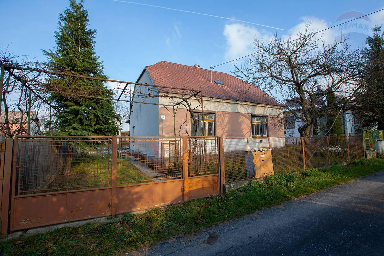Na predaj rodinný dom v Plaveckom Mikuláši
