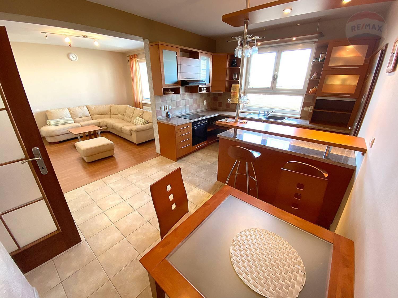 Predaj bytu (4 izbový) 182 m2, Malacky -