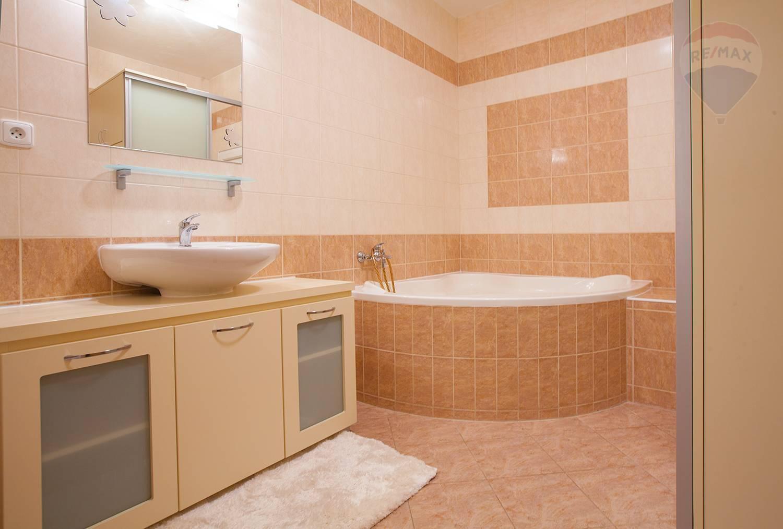 Predaj bytu (2 izbový) 56 m2, Stupava -