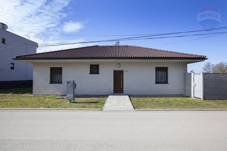 Na predaj nízkoenergetický rodinný dom v obci Studienka.