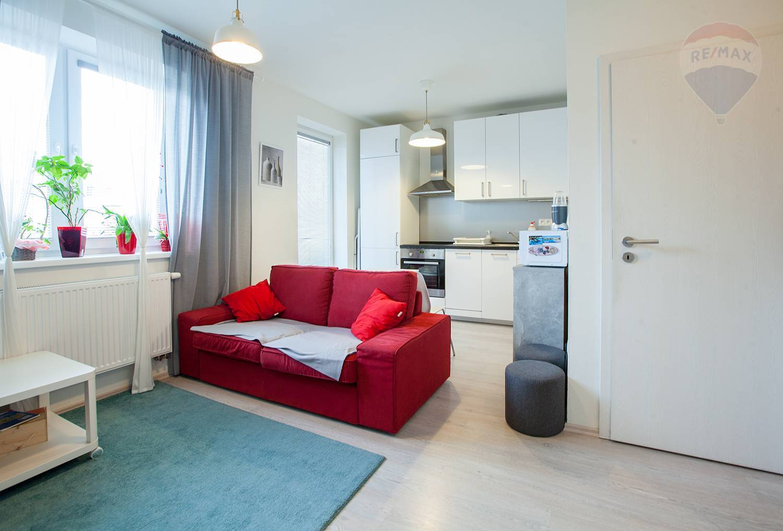 Na prenájom 2-izbový byt v Malackách