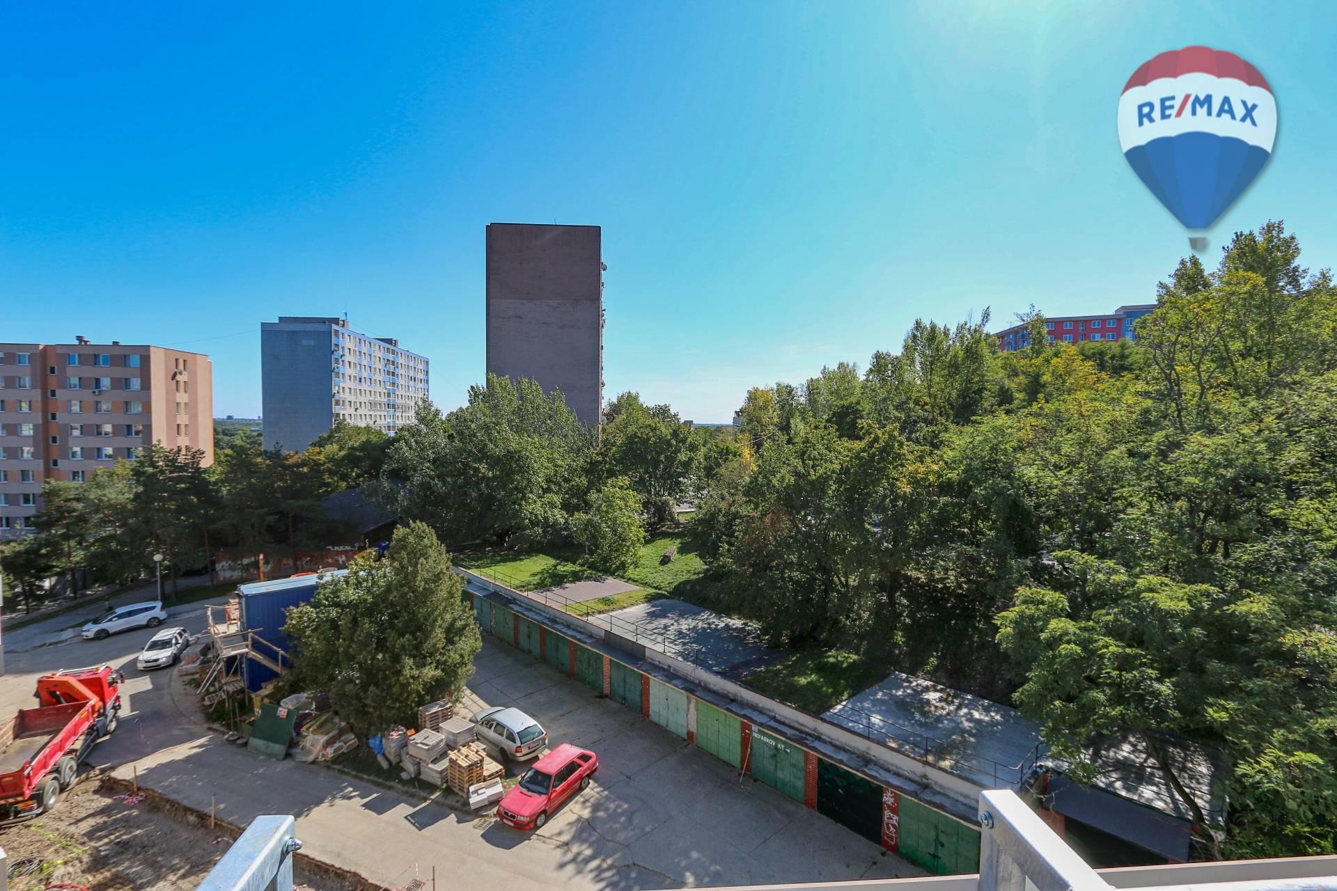 Predaj bytu (1 izbový) 32 m2, Bratislava - Karlova Ves - výhľad