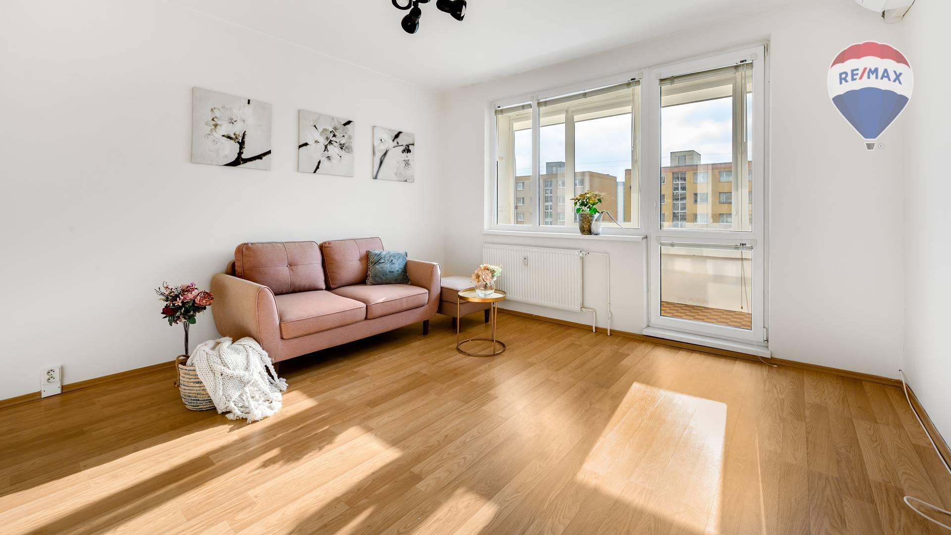 Príjemný 3 izbový byt so zasklenou loggiou, Blagoevova ulica