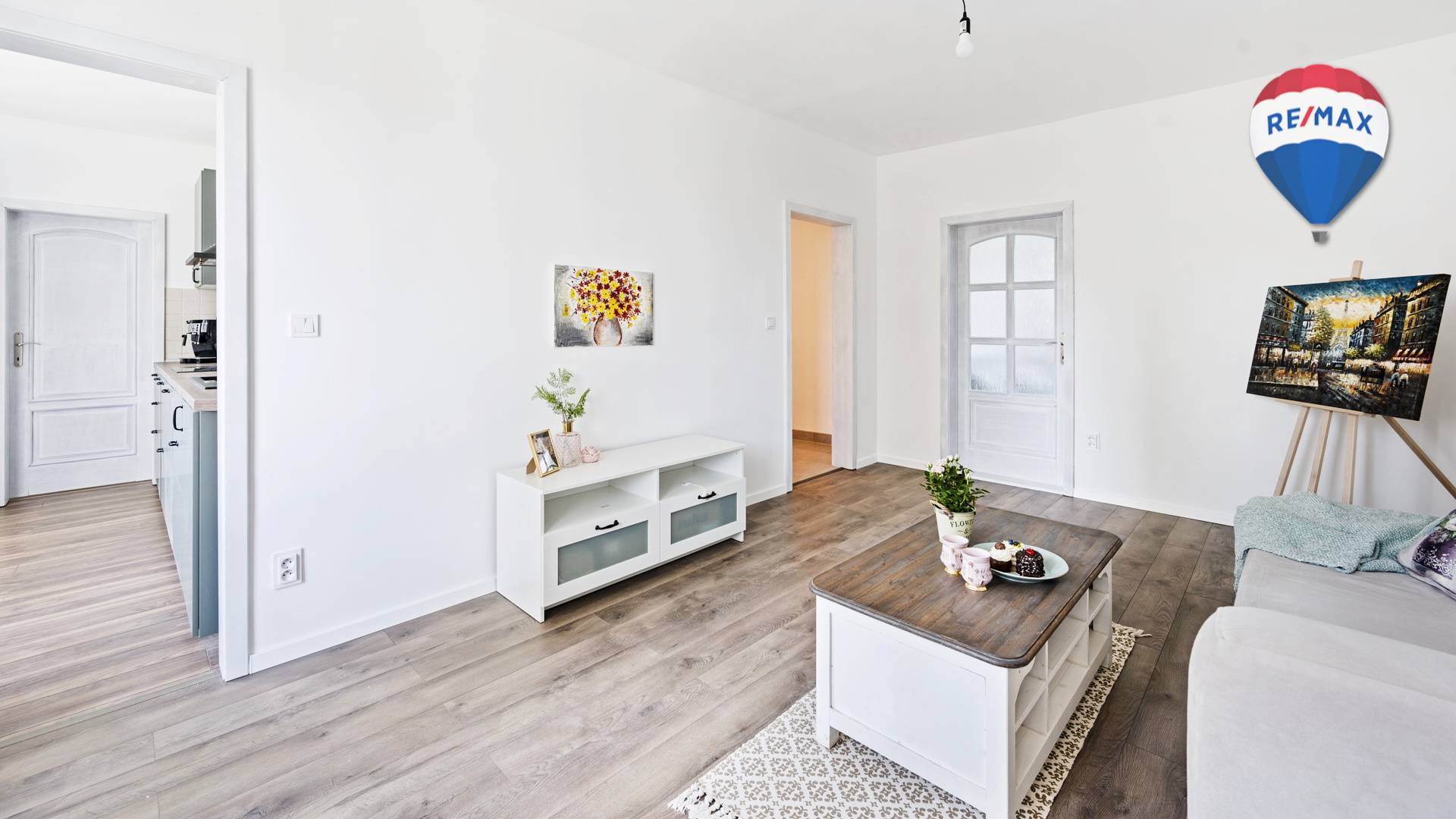 Bývanie pri lesíku - 4izbový zrekonštruovaný byt v Dúbravke