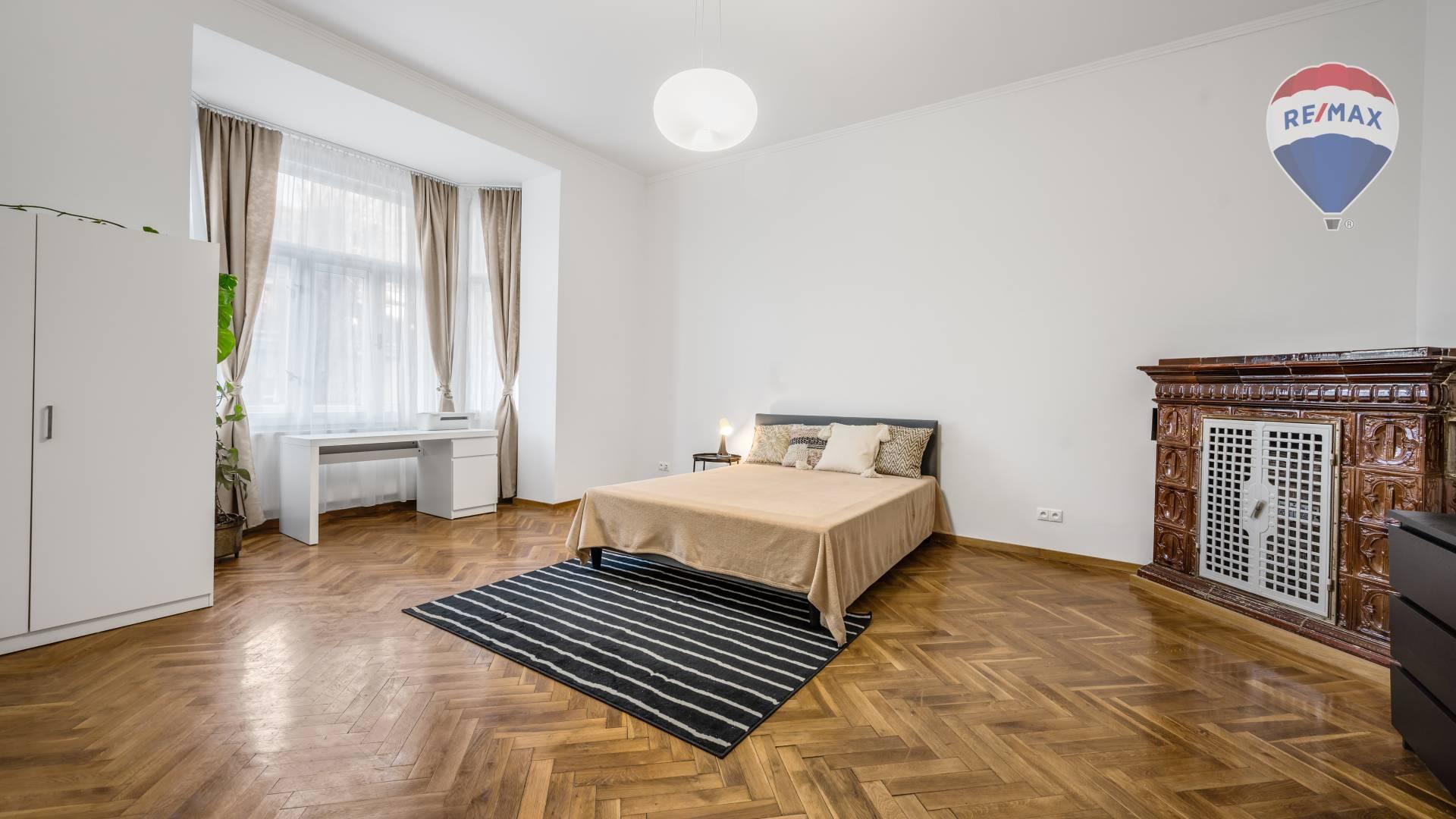 NA PRENÁJOM: Impozantný 3 izbový byt, Dobrovičova ul. Staré Mesto BA