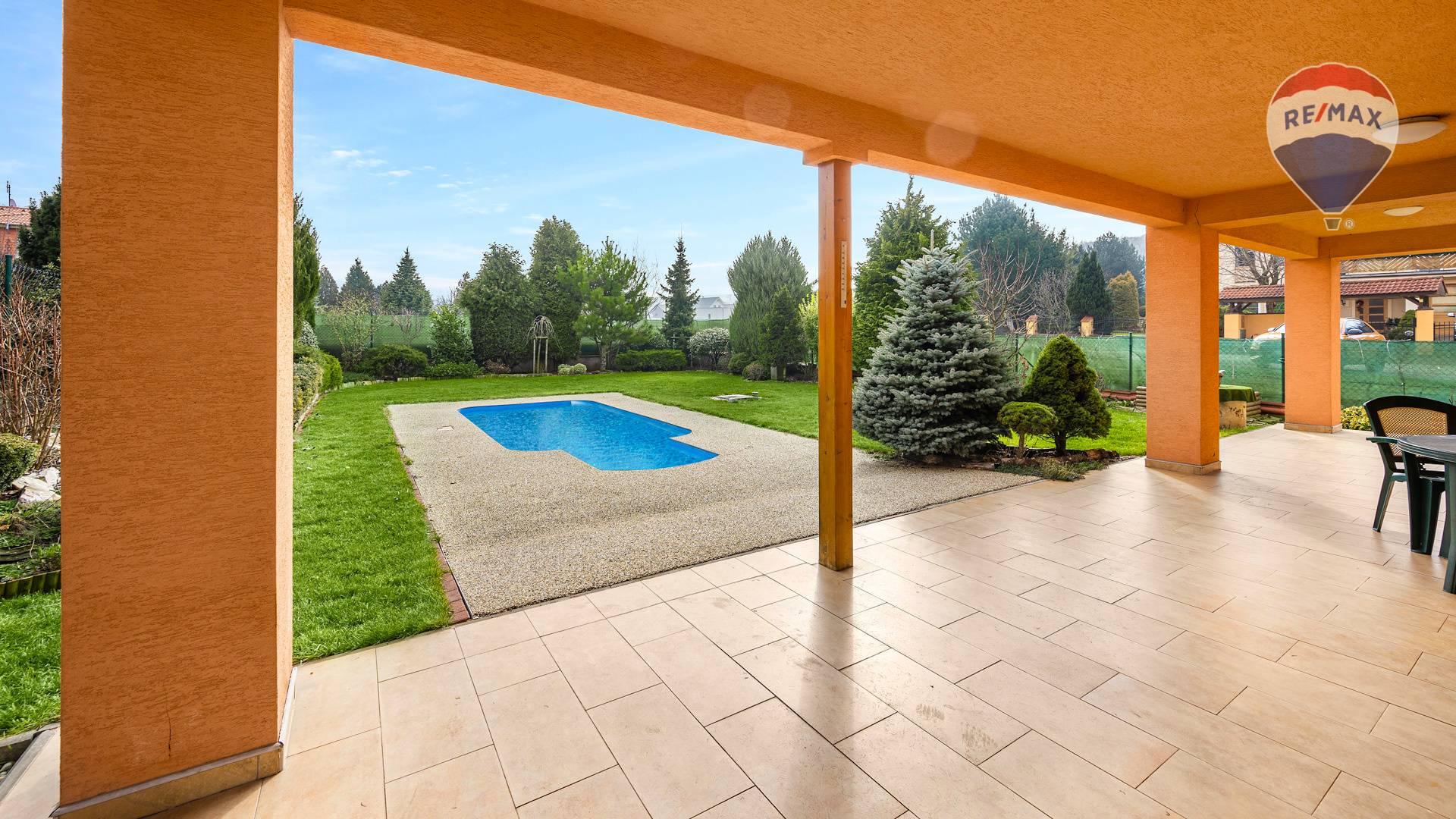Predaj domu 207 m2, Nitra - priestranná terasa