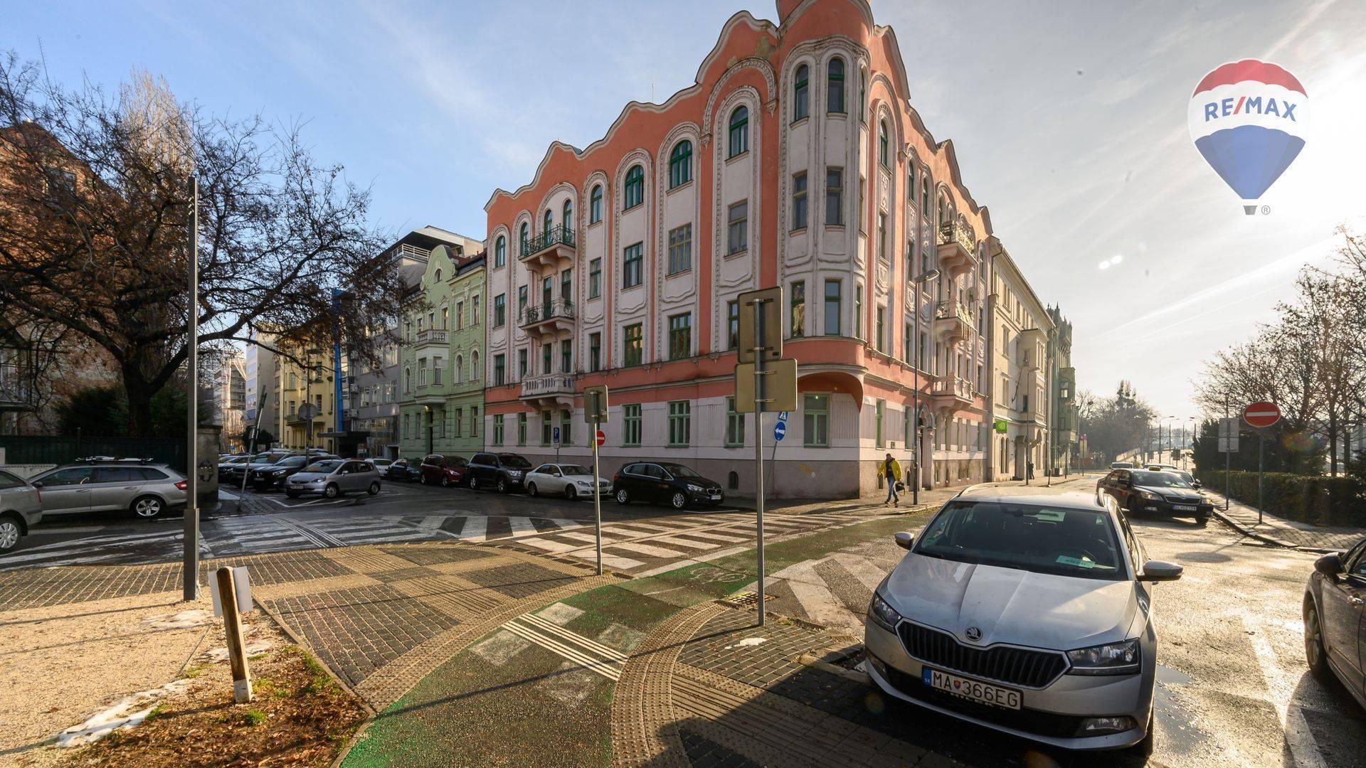 Staromestské priestory na prenájom v luxusnej lokalite Staré Mesto, Dobrovičova ul.