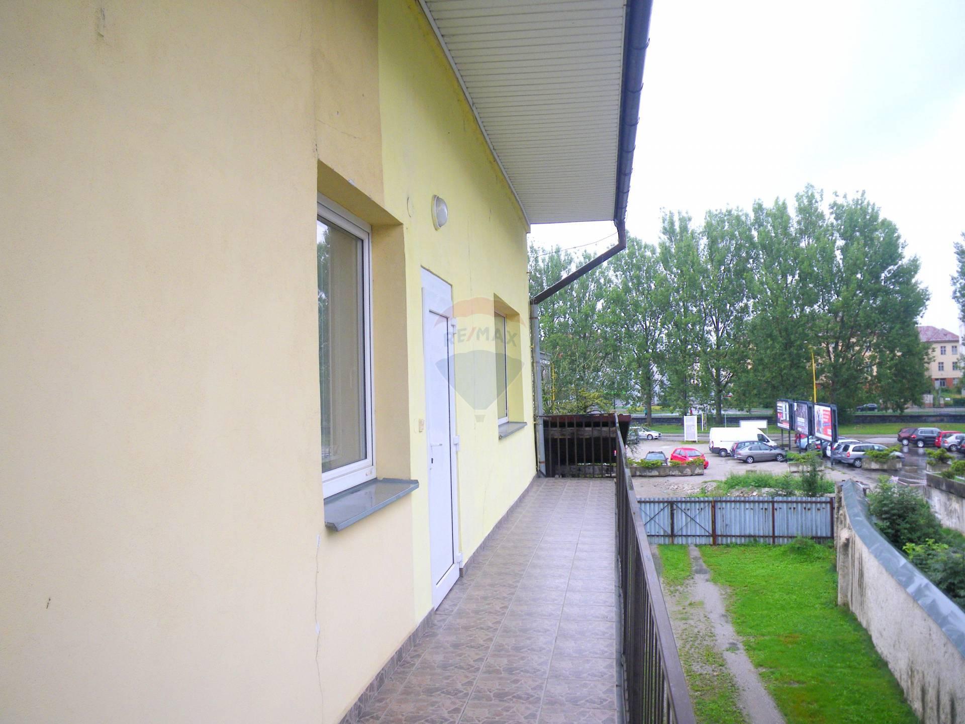 NA PRENÁJOM - komerčný priestor ( 62,4 m2), Ružomberok -Podhora
