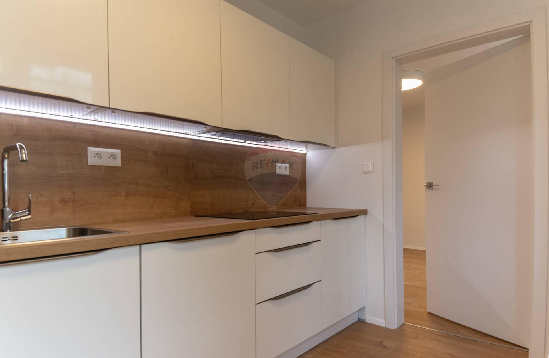 Predaj bytu (3 izbový) 77 m2, Polík – Ružomberok