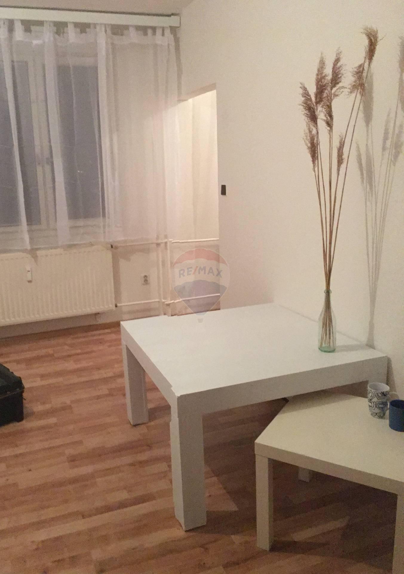 NA PRENÁJOM - 2 izbový byt, Martin Záturčie