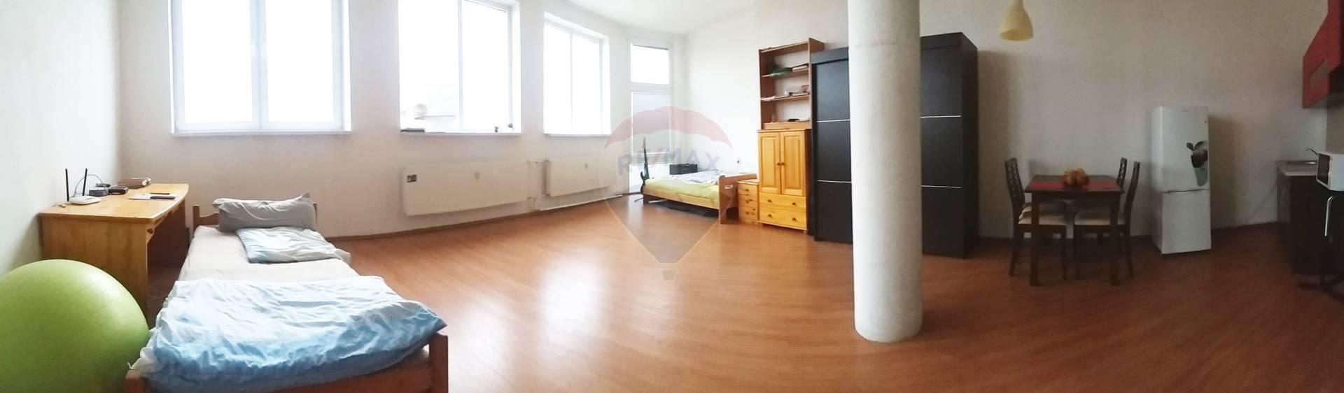 na predaj 1-izbový byt 60m2, Nitra  (Chrenová)