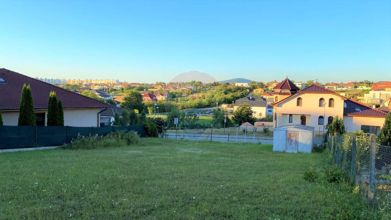 Predaj stavebného pozemku 700m2, Nitra