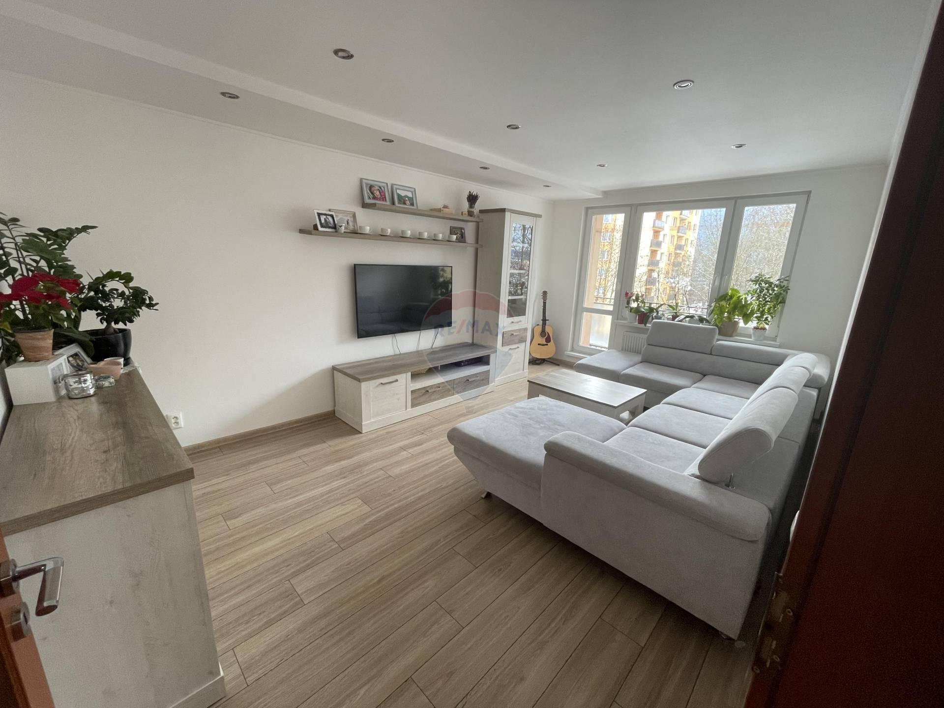 Exkluzívny 3 – izbový byt (74 m2) vo vyhľadávanej lokalite Dolného Kubína