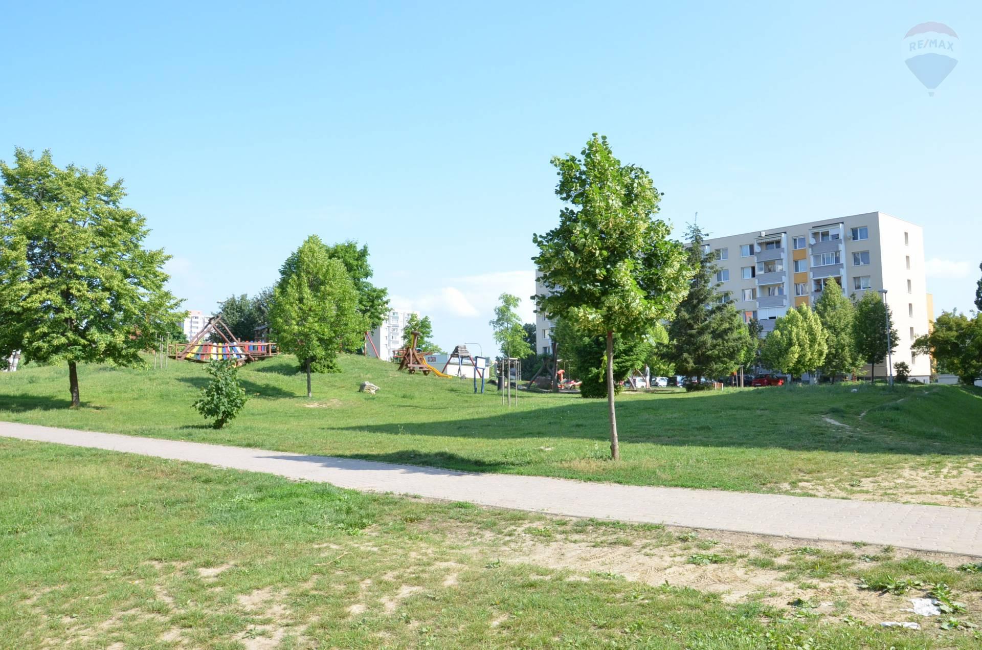 Predaj bytu (4 izbový) 86 m2, Nitra - NA PREDAJ 4 IZBOVÝ BYT, NITRA-KLOKOČINA